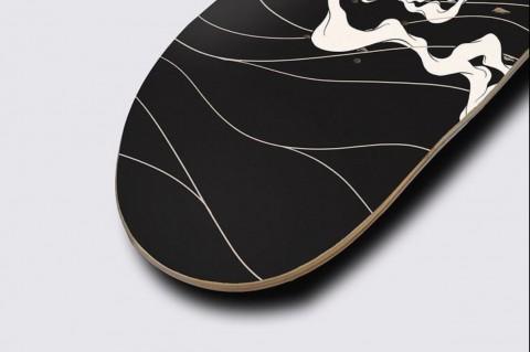 Hawk Skateboard